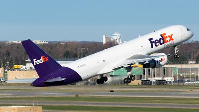A picture of N987FD - Boeing 757231(SF) - FedEx - © John Newsome