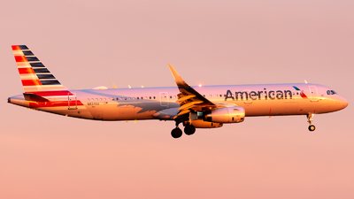 A picture of N934AA - Airbus A321231 - American Airlines - © Ben Suskind