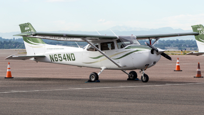 N654ND - Cessna 172S Skyhawk SP - University Of North Dakota