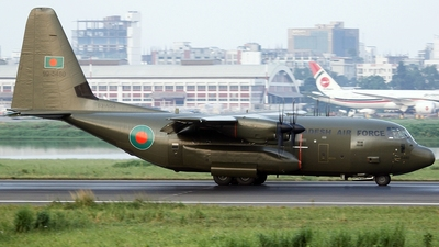 99-5480 - Lockheed Martin Hercules C.5 - Bangladesh - Air Force