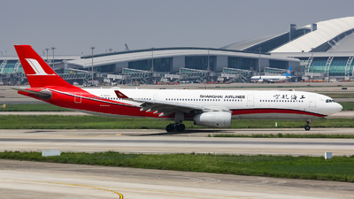 B-6083 - Airbus A330-343 - Shanghai Airlines