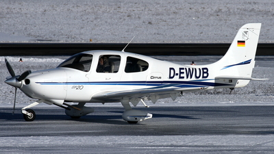 D-EWUB - Cirrus SR20 - Private