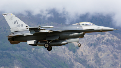 88-0541 - General Dynamics F-16CG Fighting Falcon - United States - US Air Force (USAF)