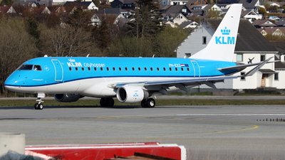 A picture of PHEXZ - Embraer E175STD - KLM - © R.Rimestad