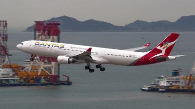 VH-QPJ - Airbus A330-303 - Qantas