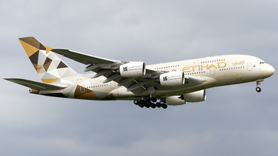 A6-API - Airbus A380-861 - Etihad Airways