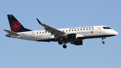 C-FEKS - Embraer 170-200SU - Air Canada Express (Sky Regional Airlines)