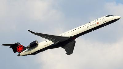 C-GDJZ - Bombardier CRJ-900LR - Air Canada Express (Jazz Aviation)