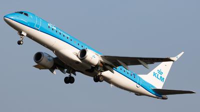 A picture of PHEZT - Embraer E190STD - KLM - © Kuba Kawczynski
