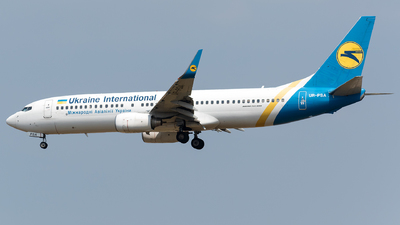 UR-PSA - Boeing 737-8HX - Ukraine International Airlines