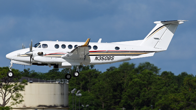 N350BS - Beechcraft 300 Super King Air - Private