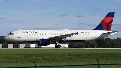 A picture of N333NW - Airbus A320211 - Delta Air Lines - © DJ Reed - OPShots Photo Team