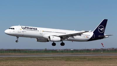A picture of DAIDG - Airbus A321231 - Lufthansa - © Robert Dumitrescu