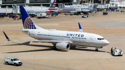 N17753 - Boeing 737-7V3 - United Airlines