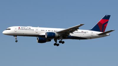 N663DN - Boeing 757-232 - Delta Air Lines