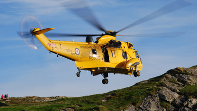 ZE370 - Westland Sea King HAR.3 - United Kingdom - Royal Air Force (RAF)
