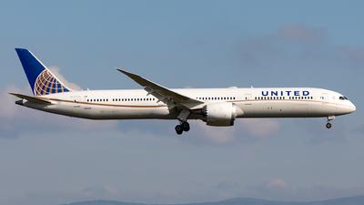 A picture of N16008 - Boeing 78710 Dreamliner - United Airlines - © Sebastian Sowa