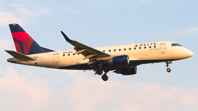 N869RW - Embraer 170-100SE - Delta Connection (Republic Airlines)