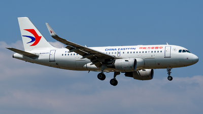 A picture of B8379 - Airbus A319115 - China Eastern Airlines - © CHenFeng_XMN
