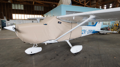 ZK-DRN - Cessna 172M Skyhawk II - Private