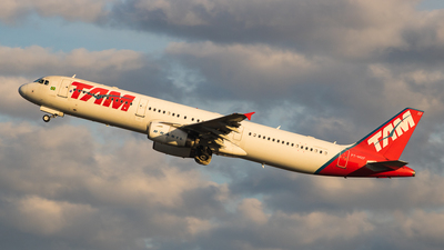 A picture of PTMXF - Airbus A321231 - LATAM Airlines - © Lucas Batista | @pilotlucas
