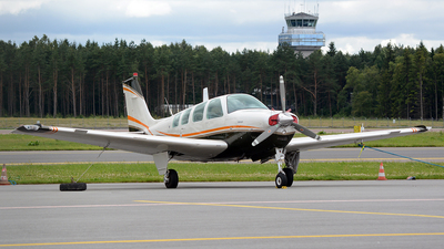ES-MHG - Beech A36 - Private