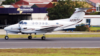 A picture of N239TT - Beech 300 Super King Air - [FA114] - © Philippe R