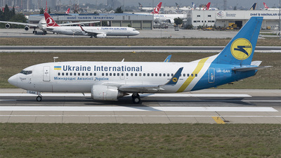 UR-GAH - Boeing 737-32Q - Ukraine International Airlines