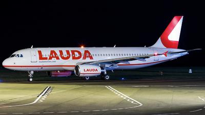 A7-ADJ - Airbus A320-232 - LaudaMotion