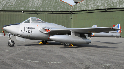 F-AZOO - De Havilland Vampire FB.6 - Private