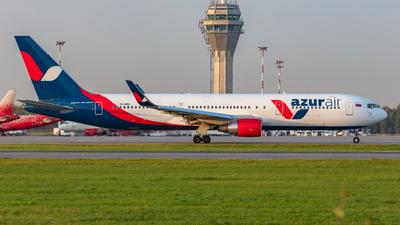 A picture of VQBEO - Boeing 76733A(ER) - Azur Air - © Sardor Durumov