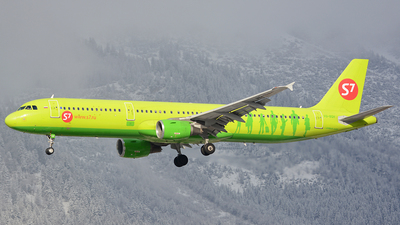 VQ-BQH - Airbus A321-211 - S7 Airlines