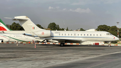 GB8001 - Bombardier BD-700-1A11 Global 5000 - India - Air Force