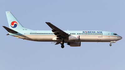 HL7727 - Boeing 737-9B5 - Korean Air