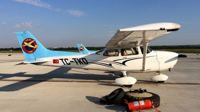 TC-TKD - Cessna 172S Skyhawk SP - Turkey - Turkish Aeronautical Association