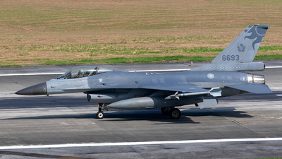 6693 - General Dynamics F-16AM Fighting Falcon - Taiwan - Air Force