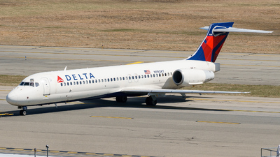 A picture of N990AT - Boeing 71723S - Delta Air Lines - © ne.planespotter