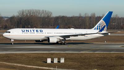 N642UA - Boeing 767-322(ER) - United Airlines