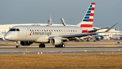 A picture of N249NN - Embraer E175LR - American Airlines - © Benji Gordon