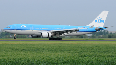 PH-AOH - Airbus A330-203 - KLM Royal Dutch Airlines