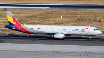 HL8277 - Airbus A321-231 - Asiana Airlines