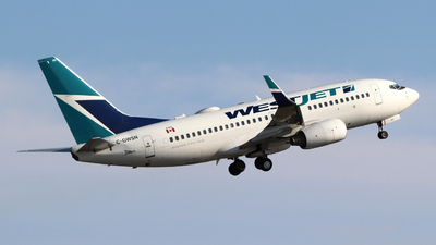 A picture of CGWSN - Boeing 7377CT - WestJet - © Guy Langlois