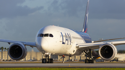 CC-BGC - Boeing 787-9 Dreamliner - LAN Airlines