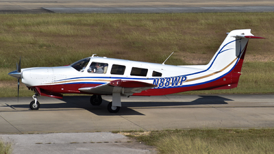 A picture of N88WP - Piper PA32RT300 - [32R7885041] - © Javier Vera