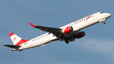 A picture of OELWG - Embraer E195LR - Austrian Airlines - © Raphael Oletu