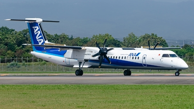 A picture of JA464A - De Havilland Canada Dash 8400 - All Nippon Airways - © S. Waki