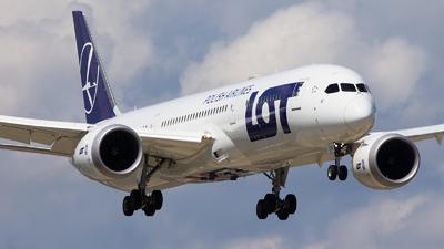 A picture of SPLSF - Boeing 7879 Dreamliner - LOT - © Emil Zegnalek