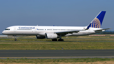 N17126 - Boeing 757-224 - Continental Airlines