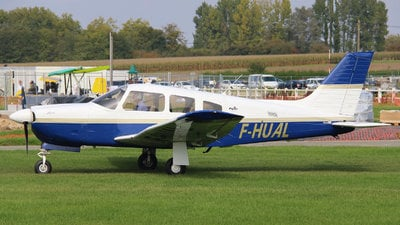 F-HUAL - Piper PA-28R-201 Arrow - Private