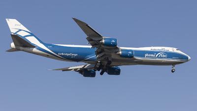 A picture of VQBFE - Boeing 74783Q(F) - AirBridgeCargo Airlines - © Tom Lau